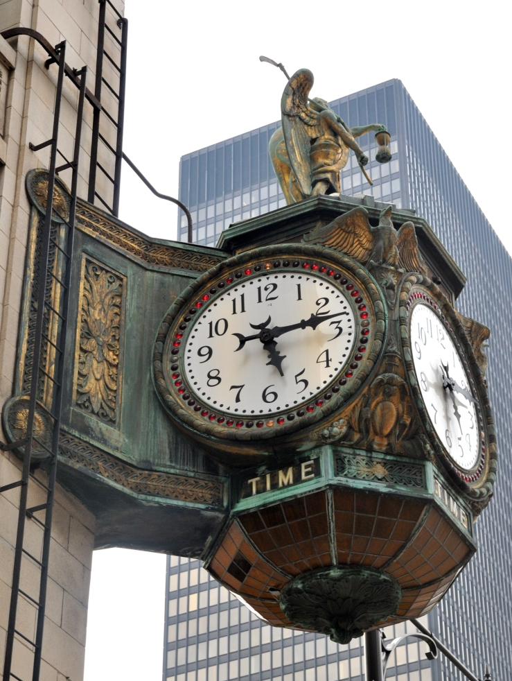 Chicago Clock set at 5:15